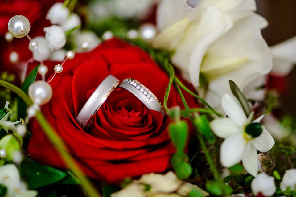 Hochzeitsfotograf_Roger_Rachel_2015_Pfalz-Forst-Deidesheim-fröhlich-romantisch_Hochzeitsfotos_natuerlich_froehlich_ungestellt_43.jpg