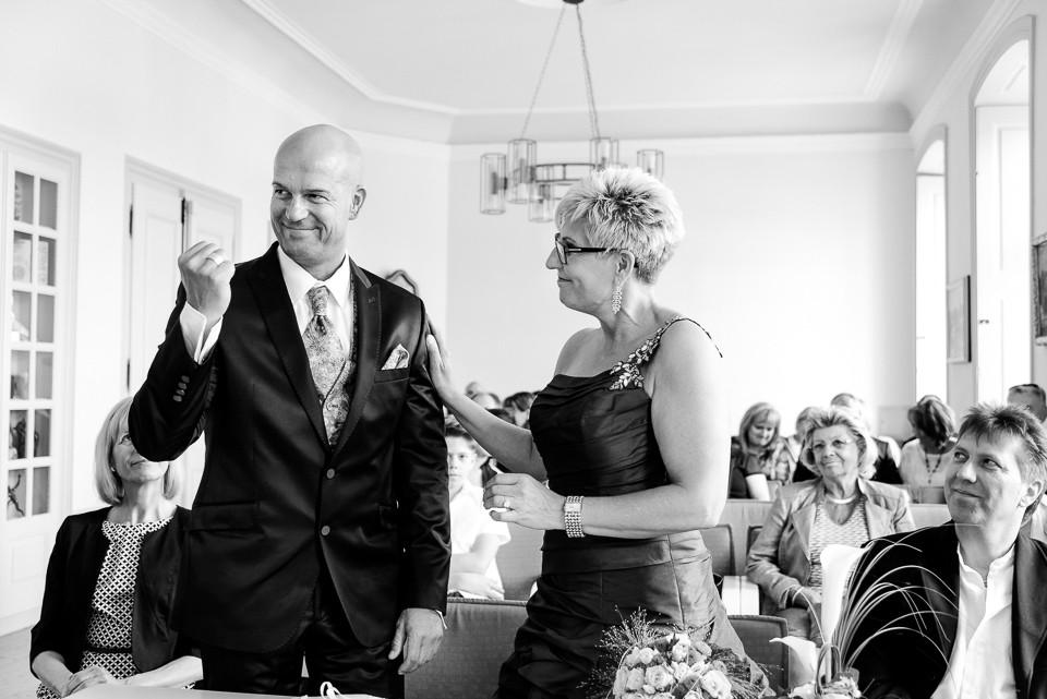 Roger Rachel Fotografie 2015-Hochzeitsfotograf Pfalz Dirmstein Schlosspark-030.j