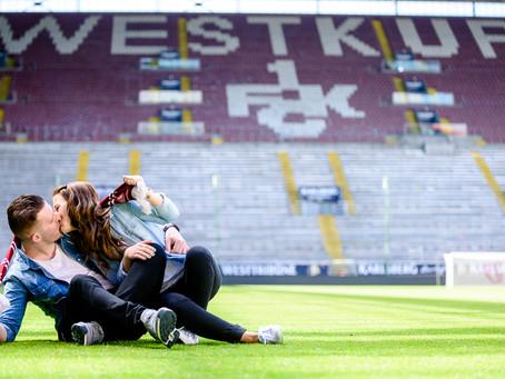 Kathrin und Dennis beim Fußball auf dem Betzenberg Kaiserslautern
