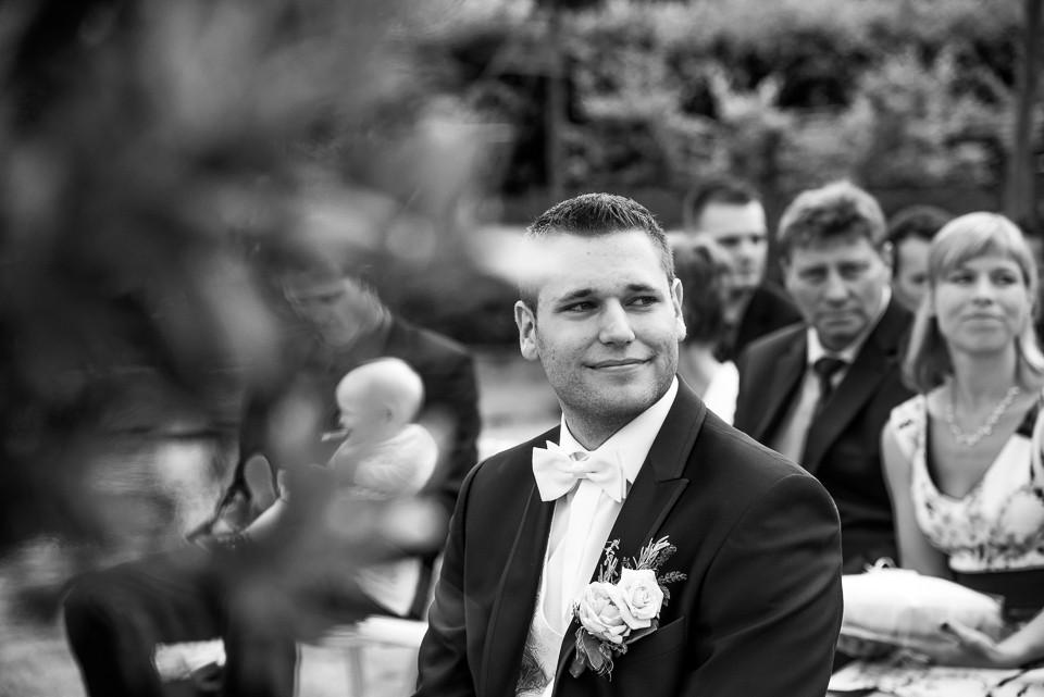 Hochzeitsfotograf Roger Rachel 2015 Pfalz-Neustadt-Gimmeldingen-Netts Restaurant und Landhaus-freie Trauung-romantisch Hochzeitsfotos natuerlich froehlich ungestellt 30.jpg