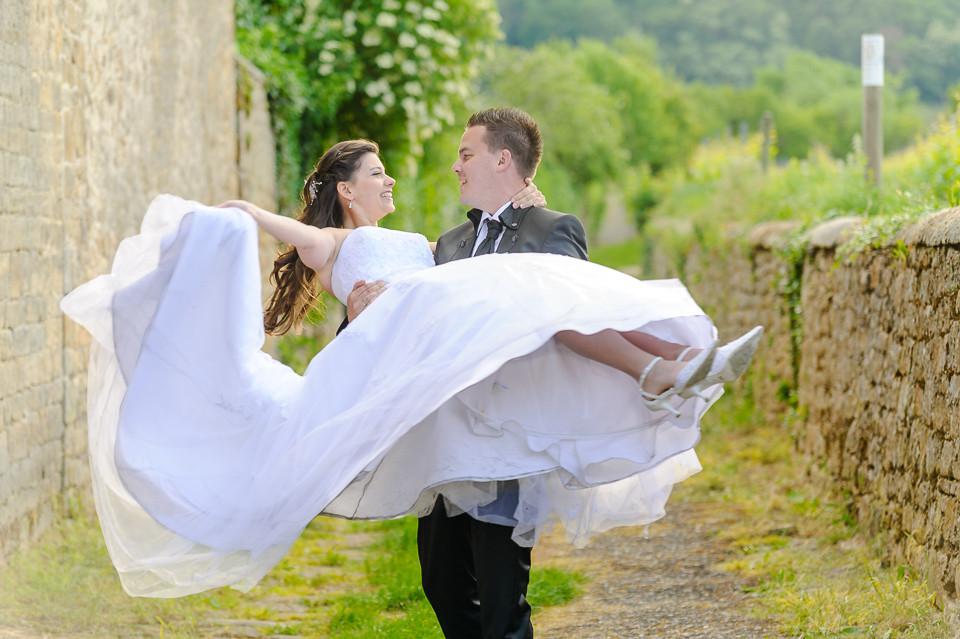 Hochzeitsfotograf_Roger_Rachel_2015_Pfalz-Forst-Deidesheim-fröhlich-romantisch_Hochzeitsfotos_natuerlich_froehlich_ungestellt_08.jpg