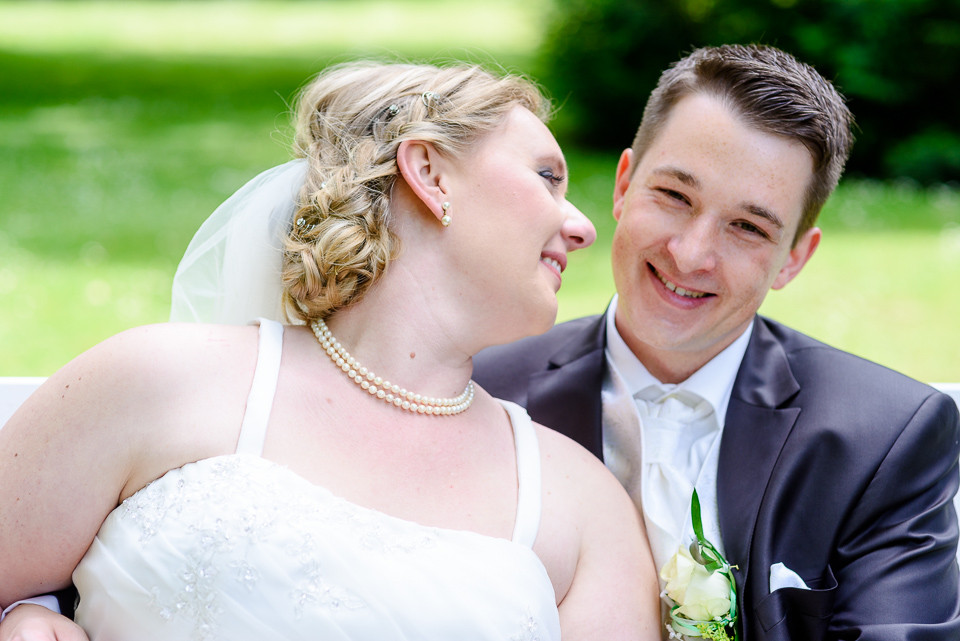Hochzeitsfotograf_Roger_Rachel_2015_Schwetzingen-Schlosspark-fröhlich-ungestellt_Hochzeitsfotos_natuerlich_froehlich_ungestellt_16.jpg