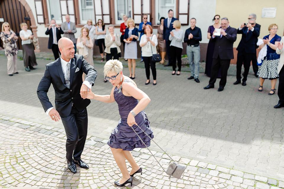 Roger Rachel Fotografie 2015-Hochzeitsfotograf Pfalz Dirmstein Schlosspark-032.j