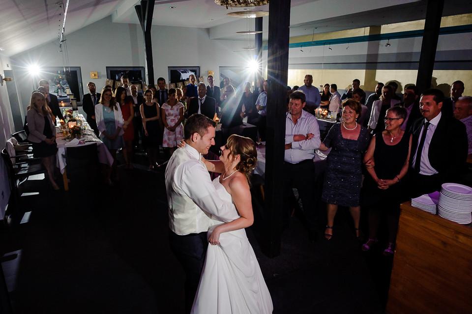 Hochzeitsfotograf Roger Rachel 2015 Pfalz-Neustadt-Gimmeldingen-Netts Restaurant und Landhaus-freie Trauung-romantisch Hochzeitsfotos natuerlich froehlich ungestellt 65.jpg