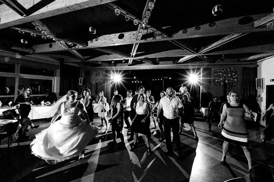 Hochzeitsfotograf_Roger_Rachel_2015_Schwetzingen-Schlosspark-fröhlich-ungestellt_Hochzeitsfotos_natuerlich_froehlich_ungestellt_46.jpg