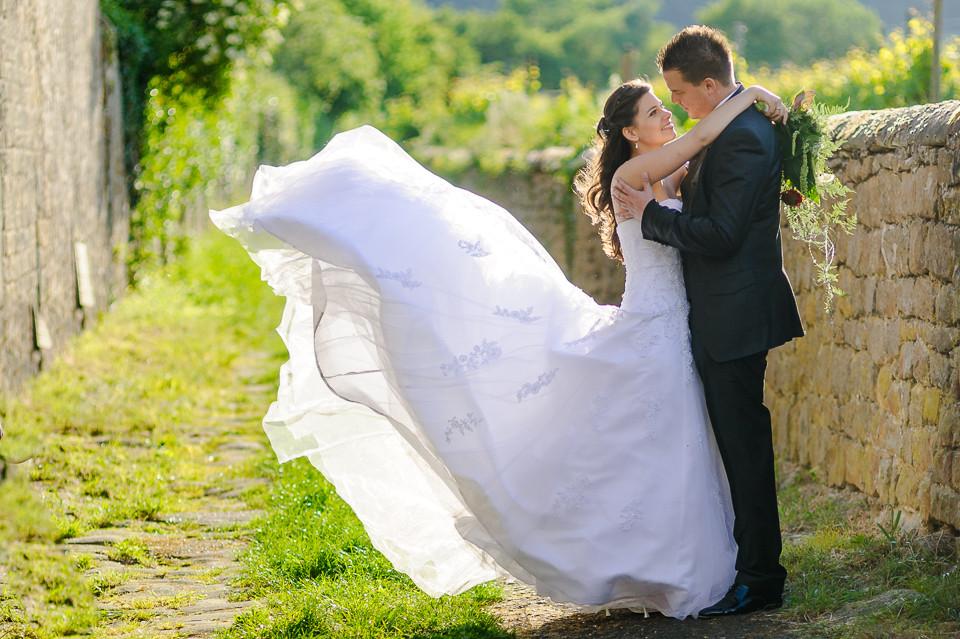 Hochzeitsfotograf_Roger_Rachel_2015_Pfalz-Forst-Deidesheim-fröhlich-romantisch_Hochzeitsfotos_natuerlich_froehlich_ungestellt_04.jpg