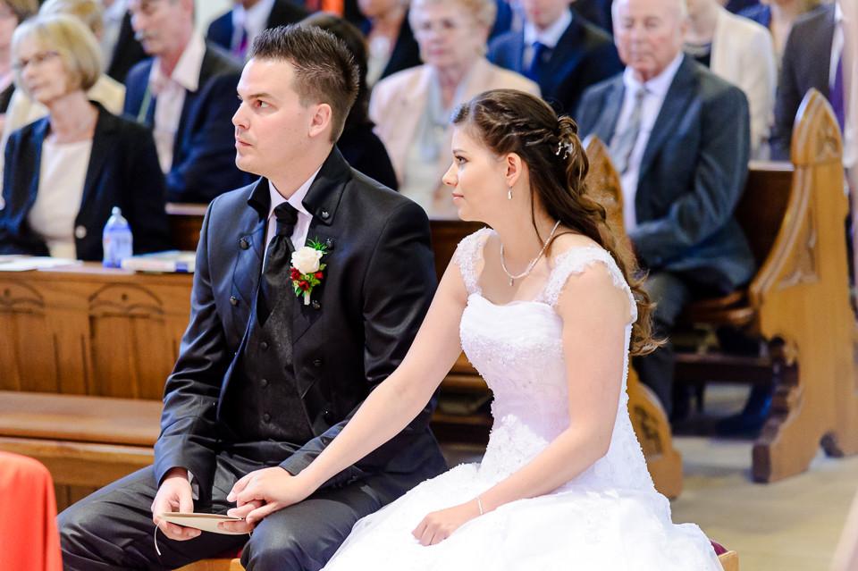 Hochzeitsfotograf_Roger_Rachel_2015_Pfalz-Forst-Deidesheim-fröhlich-romantisch_Hochzeitsfotos_natuerlich_froehlich_ungestellt_32.jpg