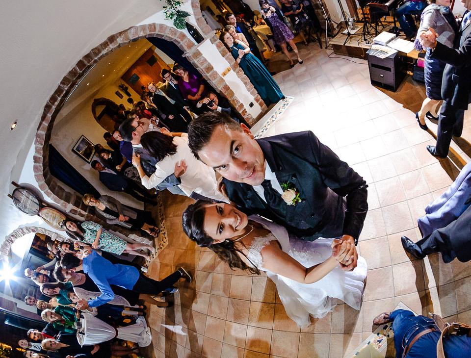 Hochzeitsfotograf_Roger_Rachel_2015_Pfalz-Forst-Deidesheim-fröhlich-romantisch_Hochzeitsfotos_natuerlich_froehlich_ungestellt_48.jpg
