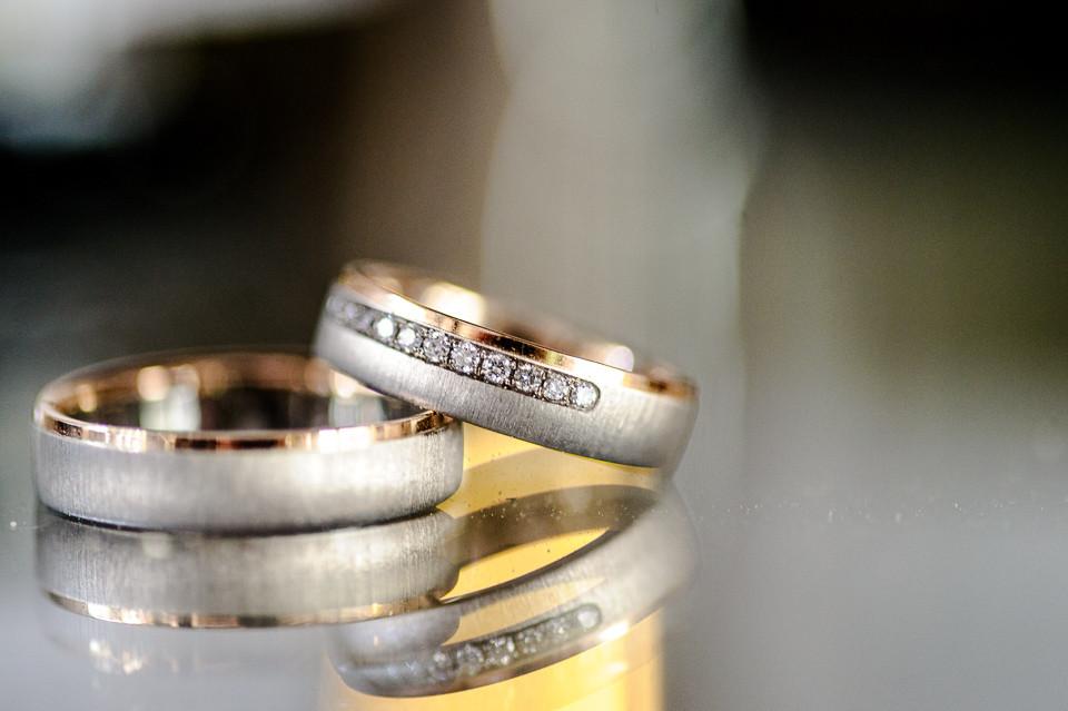 Hochzeitsfotograf_Roger_Rachel_2015_Pfalz-Forst-Deidesheim-fröhlich-romantisch_Hochzeitsfotos_natuerlich_froehlich_ungestellt_23.jpg