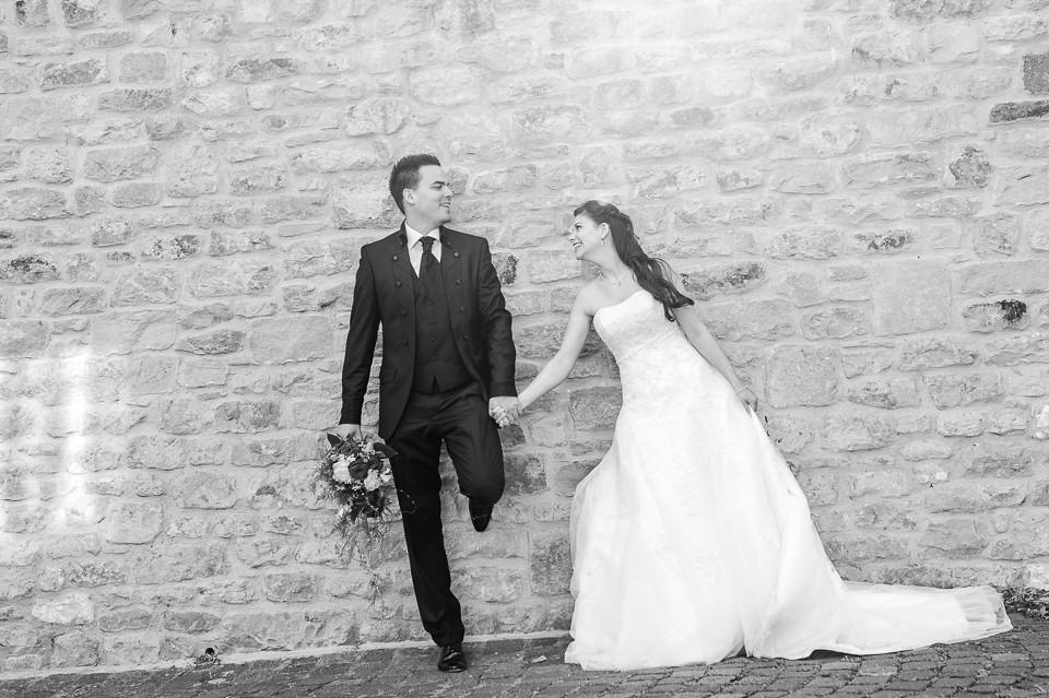 Hochzeitsfotograf_Roger_Rachel_2015_Pfalz-Forst-Deidesheim-fröhlich-romantisch_Hochzeitsfotos_natuerlich_froehlich_ungestellt_11.jpg