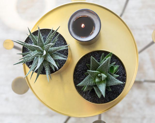 שולחן צהוב