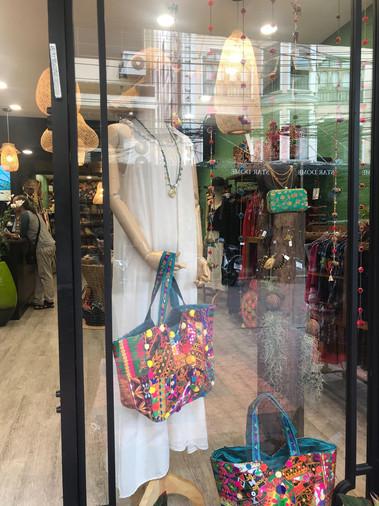חנות בגדים תאילנד