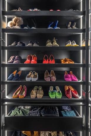 מגדלי  בלו דירת יוקרה ארון נעלים שקוף