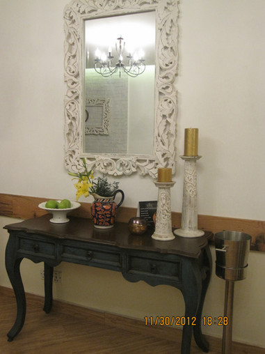 restaurant mirror