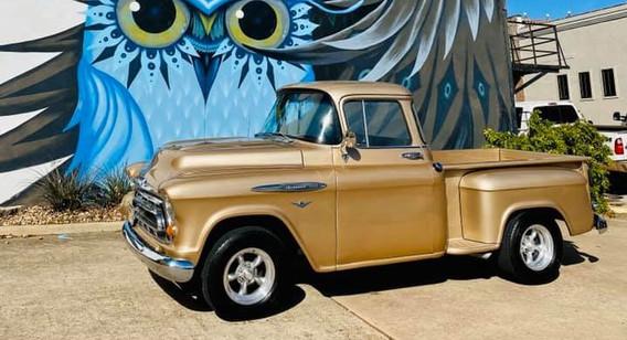 1957 Chevy 3100.jpg
