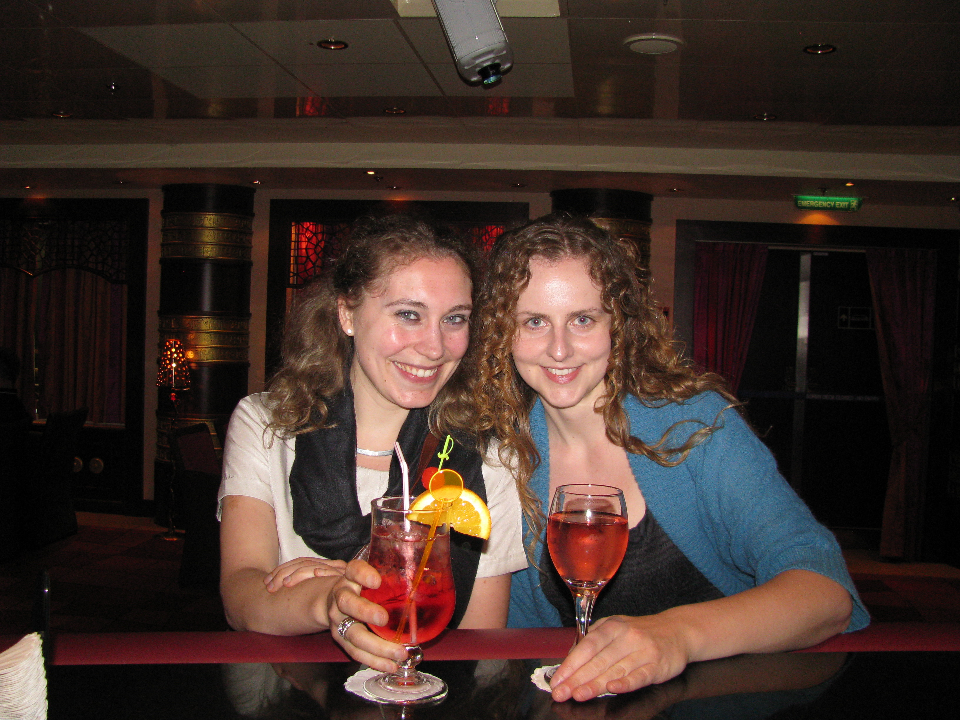 Oceana Mary and Merel 2.jpg