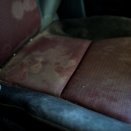 4 señales de exceso de humedad en el vehículo
