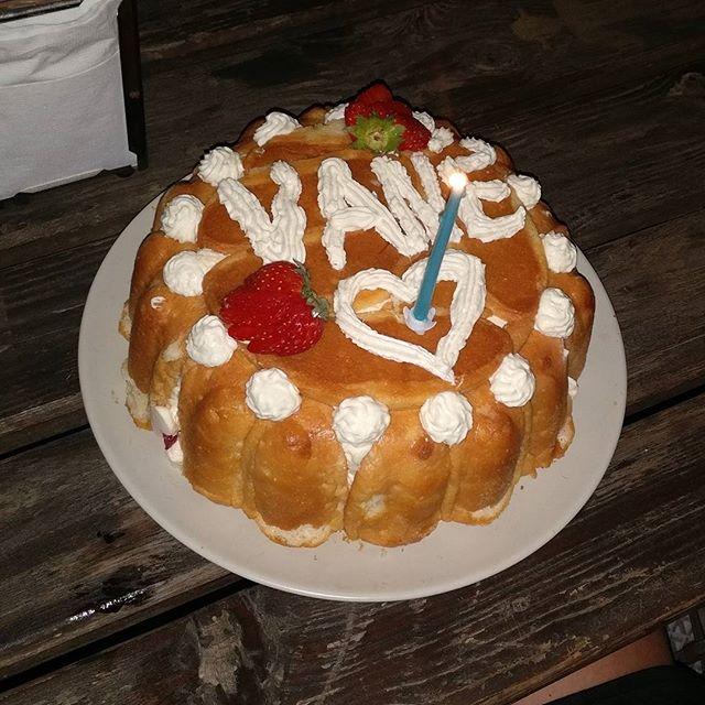 Charlotte aux fraises de Noupy #charlotte #fraise #dessert #noupy #patisserie #chantilly #food #laca