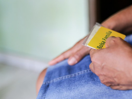 Bolsonaro veta prioridade a mulher chefe de família no auxílio emergencial