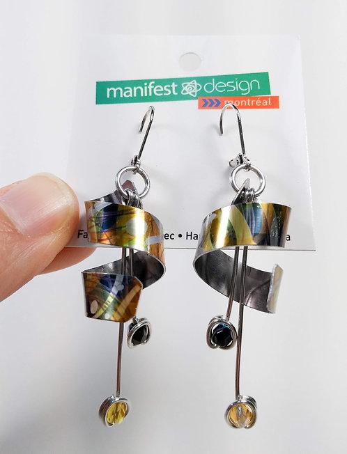 Boucles d'oreille Manifest Design: enroulé, gris, noir et jaune