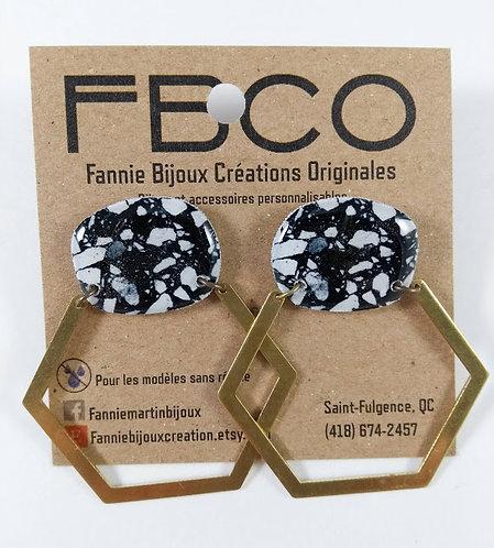 Boucles d'oreille FBCO ''Olga'' Noir, blanc et laiton