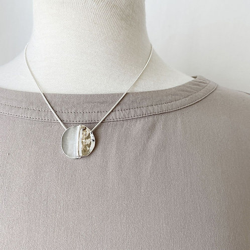 Collier Caracol, Cercle métal, Gris et argent, 1282-GRY