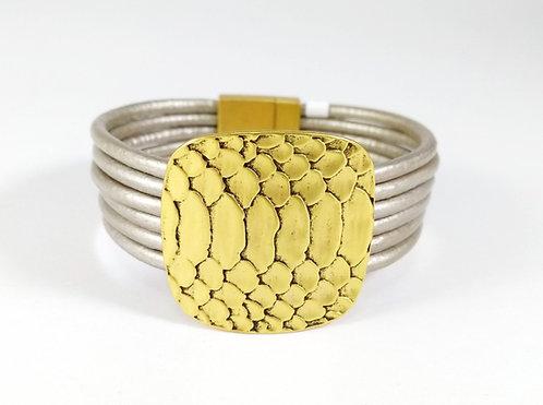 Bracelet cordon taupe, Pièce métal motif peau de serpent, Or