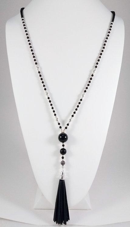 Collier long Caracol, Perle noir et argent, cuirette noir