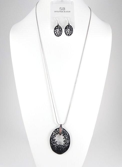 Ensemble collier long et boucles d'oreille Spoutnik, Ovale de branches noires
