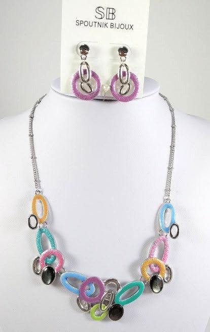 Ensemble collier et boucles d'oreille Spoutnik, ovale multicolore