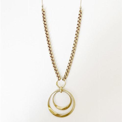 Collier long Caracol, Pendentif métallique sur chaîne à maillons, Or, 1445-GLD