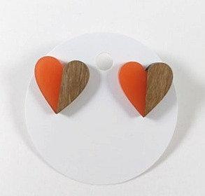 Boucles d'oreille Spounik: Coeur résine orangé et bois