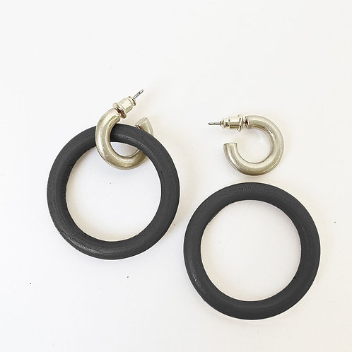 Boucles d'oreille Caracol, Anneaux bois et métal, Noir et argent, 2416-BLK-S