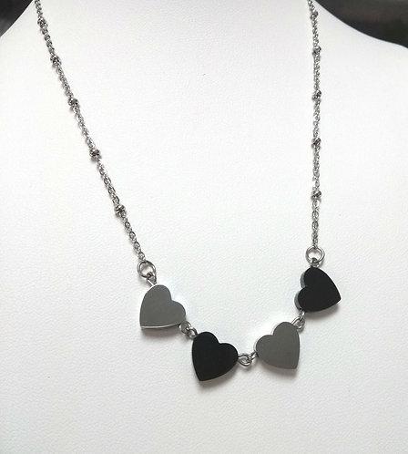 Collier avec 4 cœurs, acier inoxydable (argent et noir)