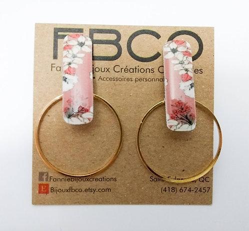 Boucles d'oreille FBCO ''Mila: fleur rose et anneau doré''