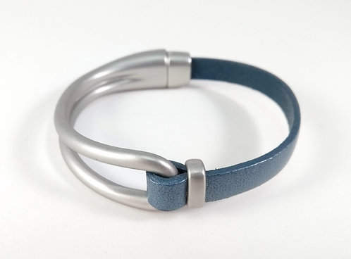 Bracelet Caracol, Bande de cuir bleu, Métal argent mat