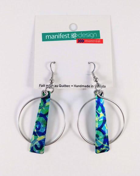 Boucles d'oreille Manifest Design: Cercle et plaque, bleu-vert