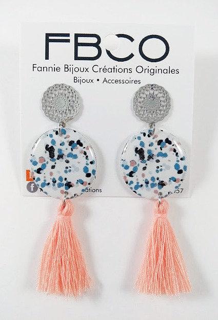 Boucles d'oreille FBCO ''Pompon'' rose pâle, bleu et blanc