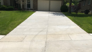 Broom Finish Concrete Driveway