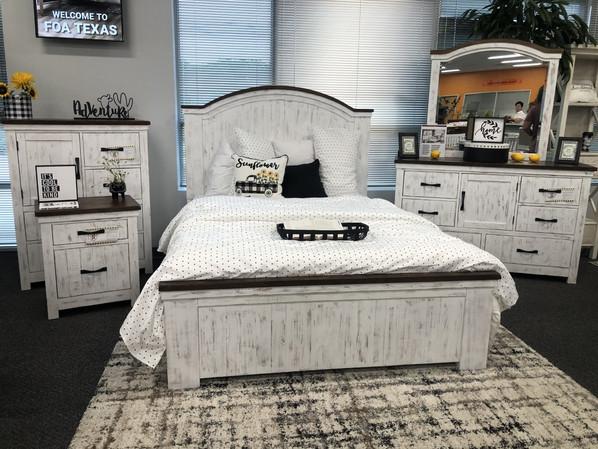White Farm house Queen Bed Set