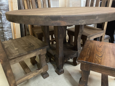 Gerardo 46' Round Table base  and 4 chairs $1100.00