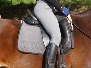 Onko olo epävarma hevosen selässä? Kolme syytä, joiden vuoksi istuntasi tuntuu epävakaalta.