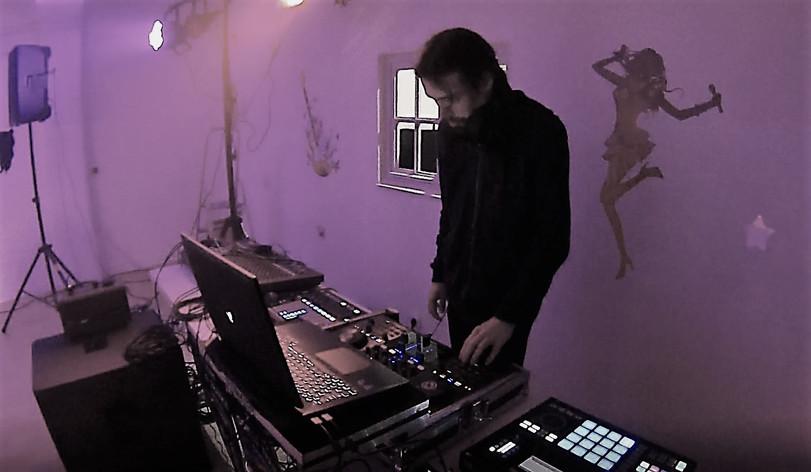 Cybertek DJ On the Mix