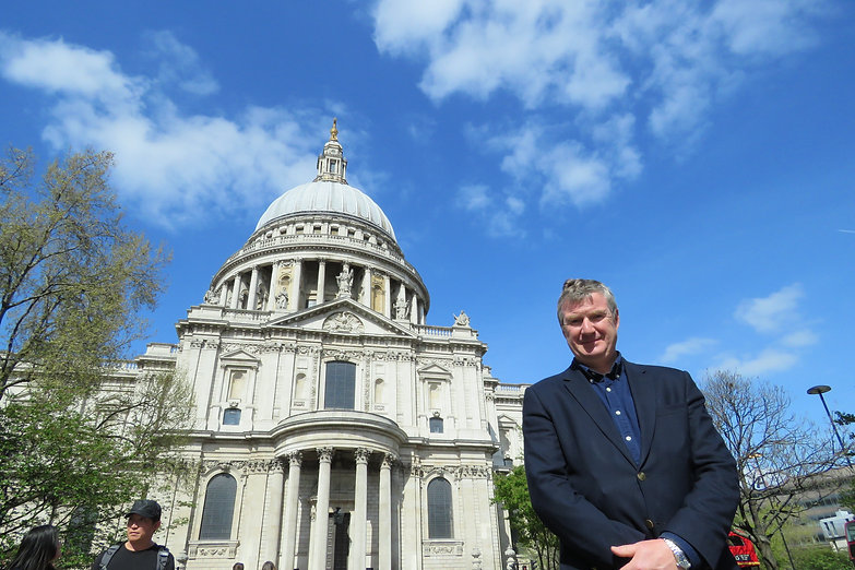 St-Paul's-Cathedral-Richard-Ing-Tour-Gui