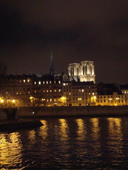 """ILUMINA"" - París"
