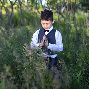 Stasiu -                            1 st Communion - outdoor photo session