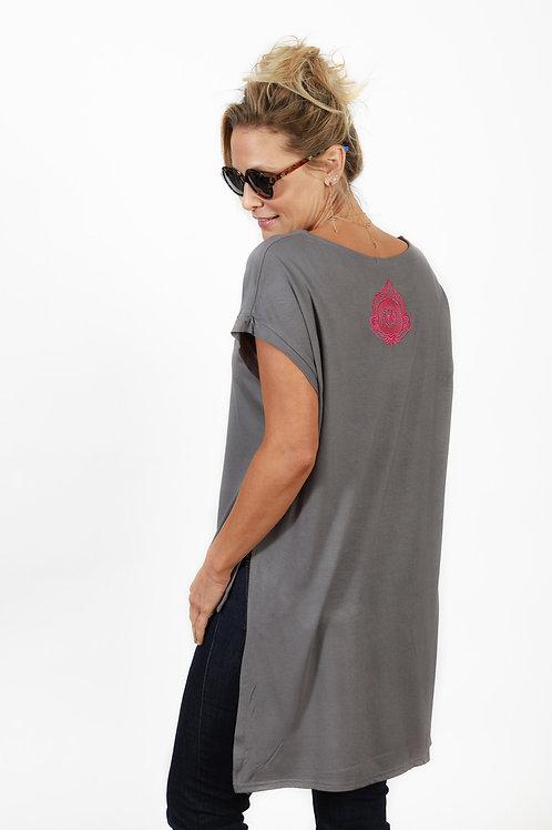 חולצה מעוצבת א-סימטרית אפורה