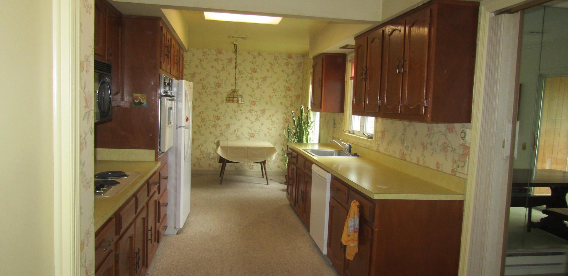 405-B kitchen.JPG