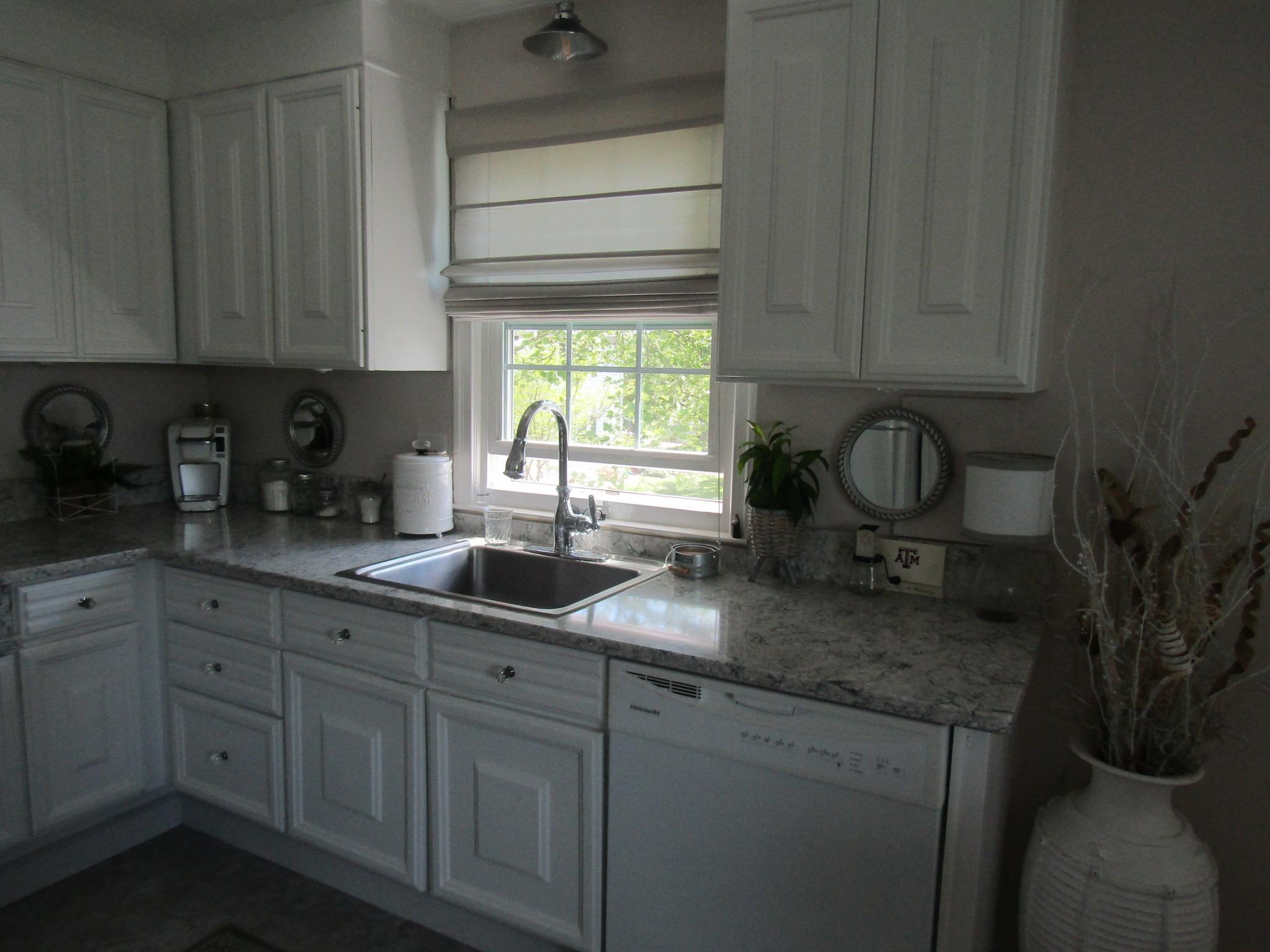 76-N kitchen 1