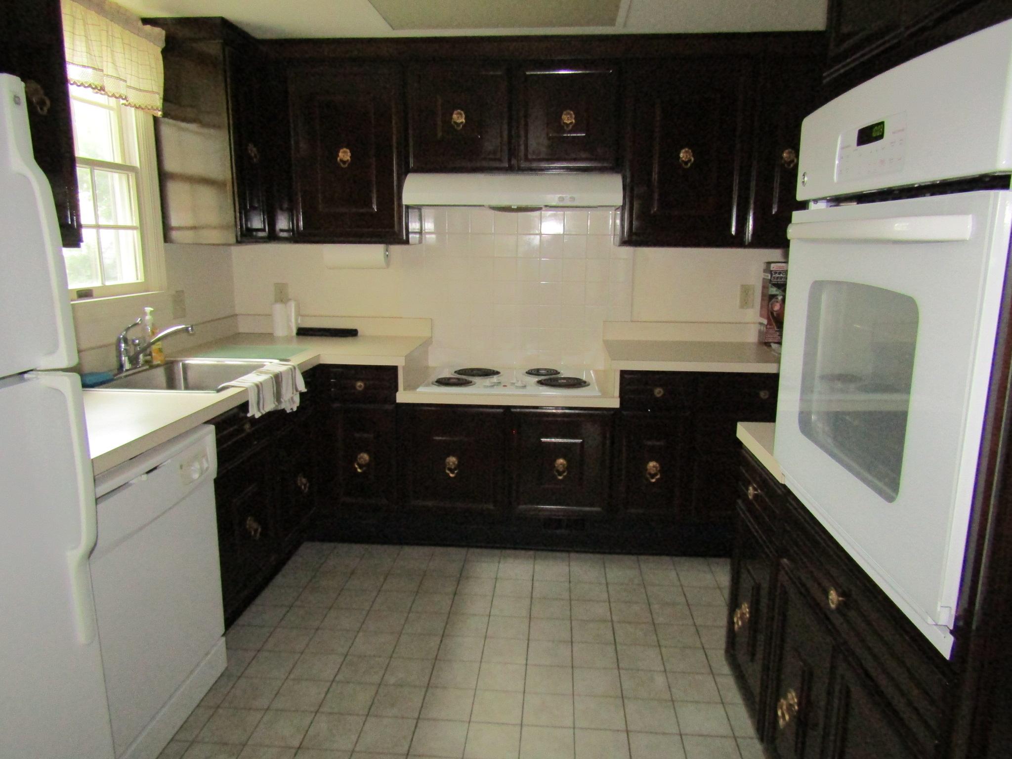 122-B Kitchen 2 - Copy